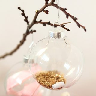 DIY/Holiday | Message in an ornament advent calendar