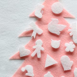 "DIY/Holiday | No Sew ""Build a Tree"" Advent Calendar"