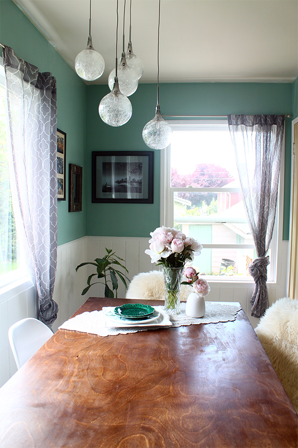 Teal and White Dining Room Makeover | Squirrelly Minds