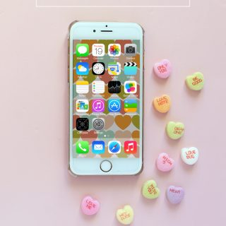 Free Valentine's Day iPhone Wallpapers