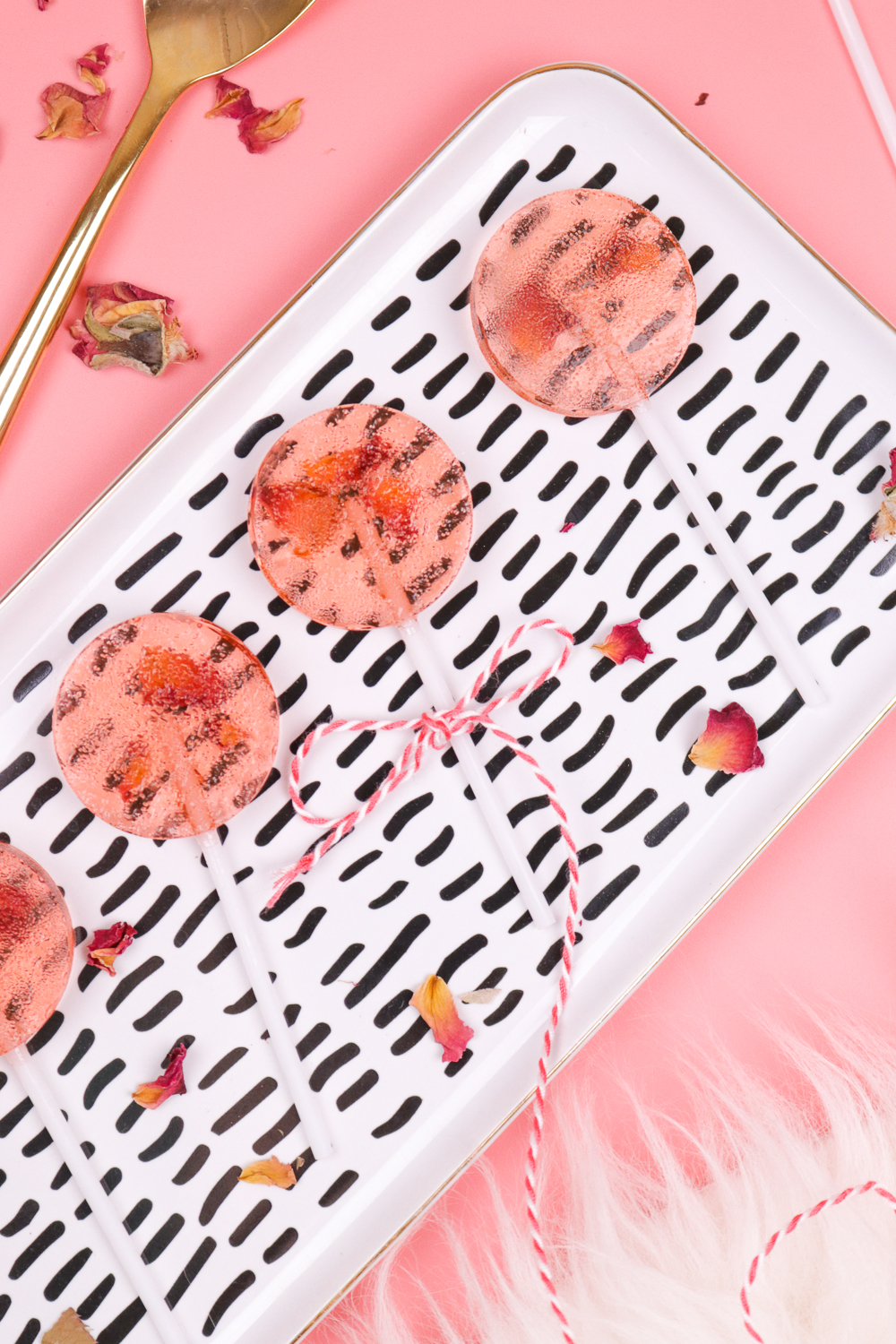 Top 20 Valentine's Projects - Club Crafted's Rose Lollipops | Squirrelly Minds