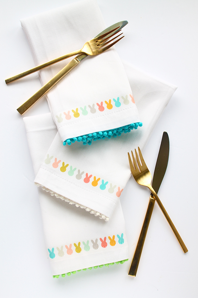 Top 20 Easter Projects of 2017 - DIY Easter Bunny Napkins with Free Printable | Squirrelly Minds